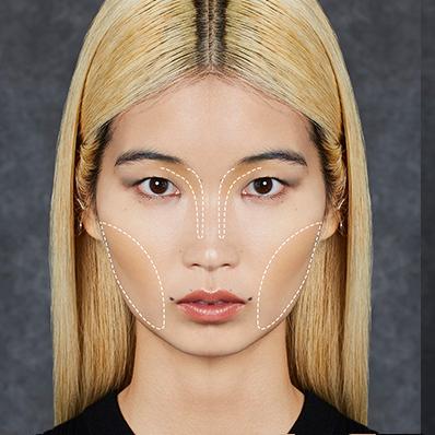 陰影位置 陰影畫法技巧:將深色修容簡單畫於鼻樑兩側及顴骨處即可,打造鼻影 及修飾顴骨與雙頰,使五官更立體並修飾臉型